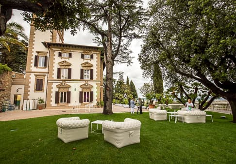 Weddings Villa Mussio - elegant garden